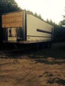 32' trailer
