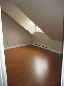 Centrally Located Downtown 2-Bedroom Apartment - AVAIL. NOW!