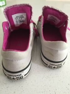 Girl's grey Converse. Size 13 Kitchener / Waterloo Kitchener Area image 3