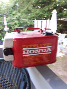 Honda gas can