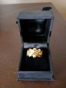 Gold Puzzle Ring