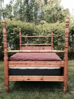 Queen size Solid Pine Poster Bed