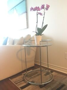 GLASS BAR CART / WINE TROLLEY WITH WHEELS $120 OBO