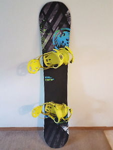 Mens Snowboard - Never Summer Proto HD + Boots & Bindings