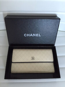 Authentic CHANEL CC Logo Quilted Leather Long Purse Wallet