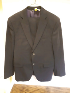 Jack Victor black 38S suit drycleaned great condition
