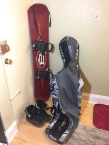 149cm Snowboard, Size 9 boots and Bag.