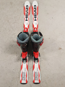Kids downhill skis, boots and bindings set