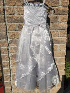 Robe de gala pour jeune fille