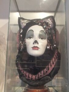 """CATS HAD FIGURINE FROM THE BROADWAY SHOW """"CATS"""""""