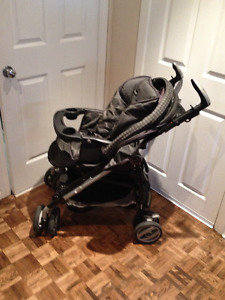 Peg Perego Stroller/ Pousette  and Car seat