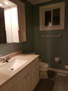 Rooms for rent in Peterborough bungalow by Fleming College Peterborough Peterborough Area image 2