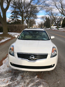 Great deal Nissan Altima sl 2009 fully loaded