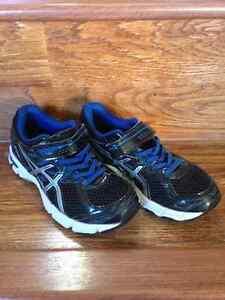 Size 13 kids asics runners
