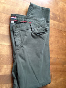 Womens Tommy Hilfiger skinny pants size 18 NEW*NEVER WORN*