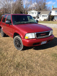 2003 GMC Jimmy $700 obo need this truck gone.