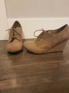 Worn once tan wedges size 10