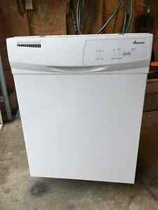 Amana dishwasher. White, 16-mo old, clean in perfect condition