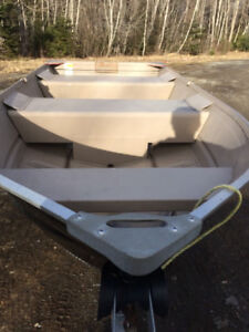 12ft Aluminum Boat and Trailer