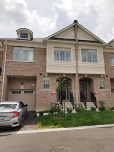 Like a brand new Townhome 3BR/3WR for Lease Richmond Hill