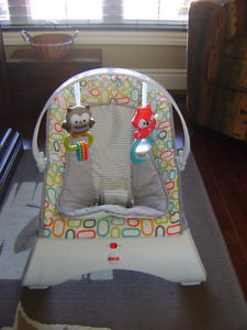 FISHER PRICE CURVE BOUNCER SEAT