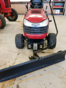 Craftsman lawn tractor with balde and deck
