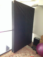 BED MATTRESS BASE IN PERFECT CONDITION!!! QUEEN SIZE