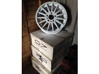 "Ford R5 18"" white alloys"