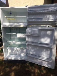 URGENT REFRIGERATOR WHITE NEED TO GO ASAP