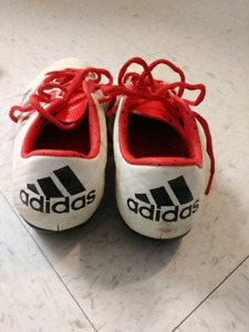Adidas outdoor soccer cleats size 6