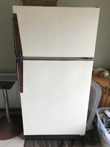Vintage Fridge in great condition! Great deal!