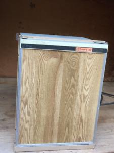 Dometic Propane/Electric Fridge Model:RM36D