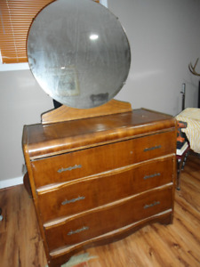 solid wood three drawer dresser with oval mirror/antique style