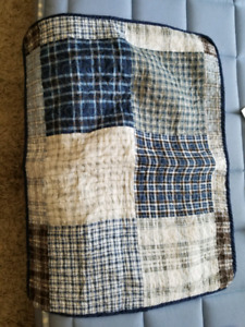 Boys knitted quilt/pillow shams
