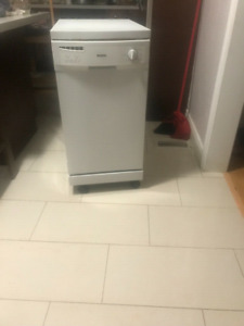 "Kenmore ""18"" portable dishwasher with stainless steel inside"