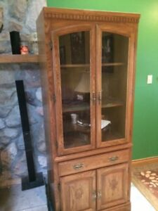 Beautiful Paliser Oak Display cabinet