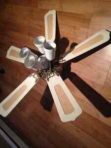 Ventilateur  avec 4 lumières
