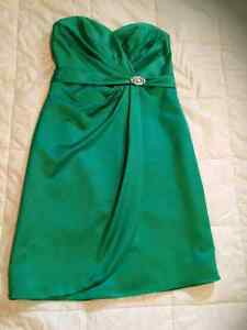 Size 8 Kelly Green Bridesmaid/or prom dress