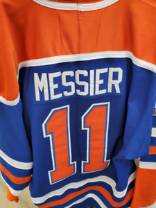 online store f81d8 00be1 Mark Messier Jersey | Kijiji - Buy, Sell & Save with ...