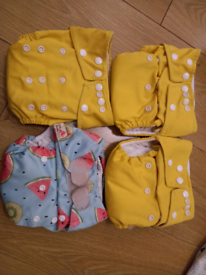 4x pop in newborn to potty reusable nappies Littles and Bloomz