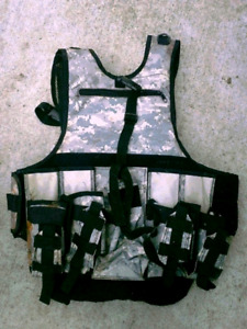 Paintball Gear: Vest and Neck Guard