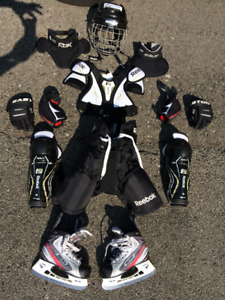Youth complete hockey set with skates