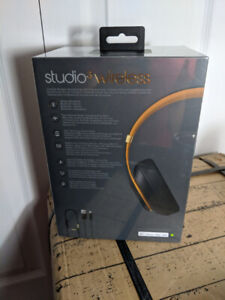 Beats By Dre Studio 3 Noise Cancelling BRAND NEW