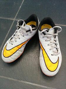 Chaussures de soccer avec crampons Nike Hypervenom pour enfant