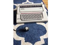 Smith Corona VTX 200 Electric Typewriter