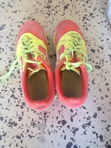 Kid's Soccer cleats Size 2.5