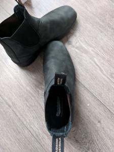 Blundstone 1308 - Chisel Toe Rustic Black - US 10 - Worn Twice