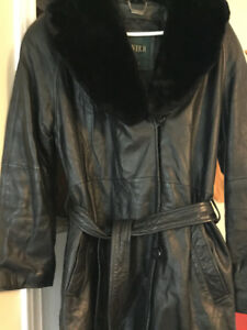 Women coats , Danier leather and long Novelti size M