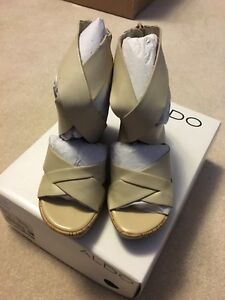 Brand New Size 6 Wedge Sandals