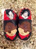 Boys Robeez Shoes - Size 0-6 mths Brand New